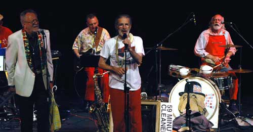Legs Larry Smith, Andy Roberts, Roger & Sam Spoons