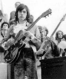 Chris Spedding with the Gretsch at Trafalger Square gig in 1968